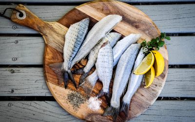 Rouleaux de poisson et aubergines
